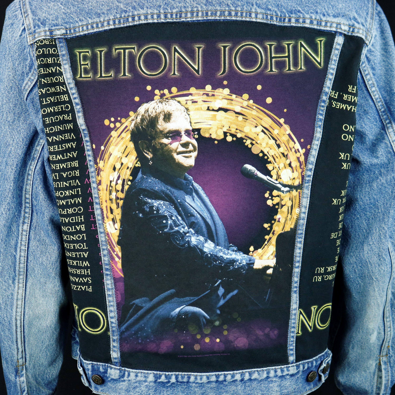 Elton John Levis Denim Jacket Blue Trucker Vtg Usa 2016 Etsy Elton John Levi Denim Jacket [ 2999 x 3000 Pixel ]