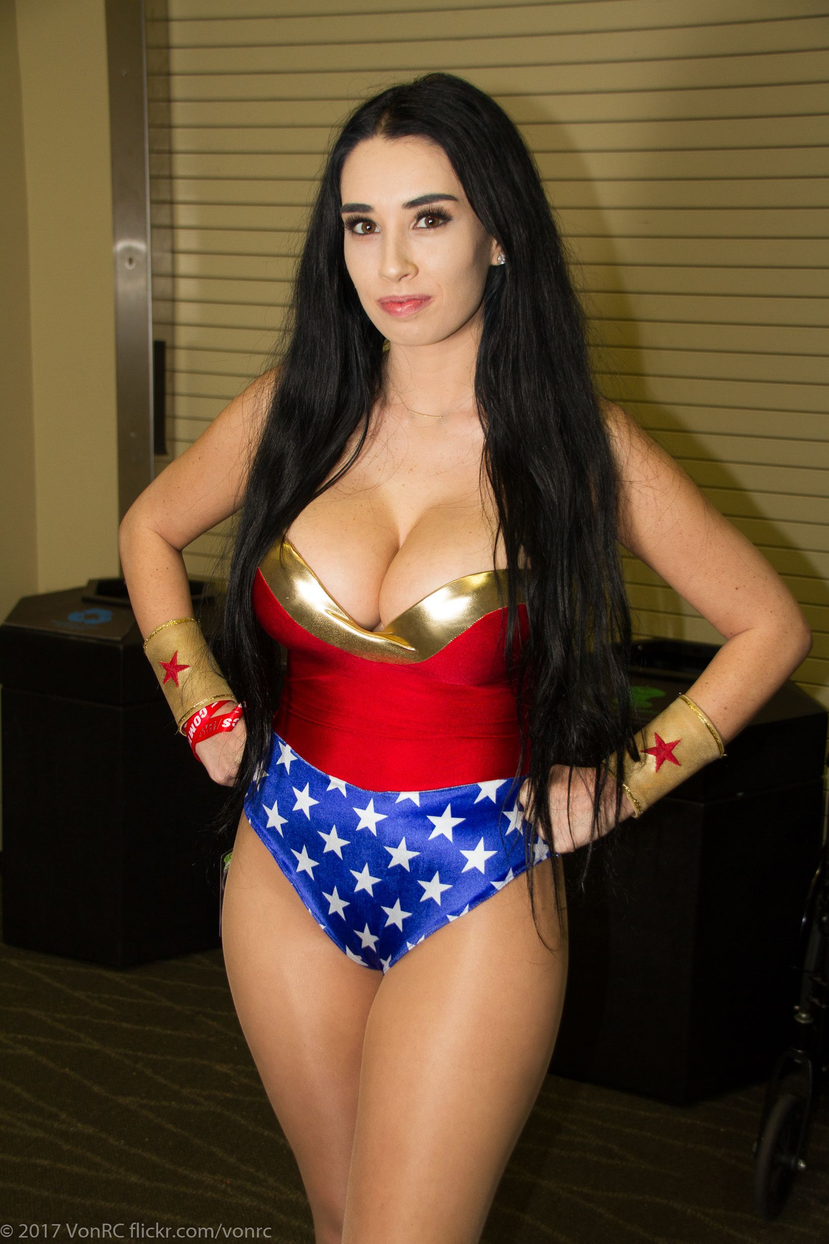 Wonder Woman Kacey  Wonder Woman, Women, Mommy Workout-8497