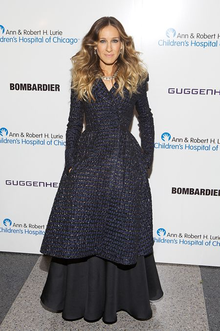Sarah Jessica Parker attends Gala Benefit For Ann & Robert H. Lurie Children's Hospital of Chicago in a Rochas dress and Oscar de la Renta coat.