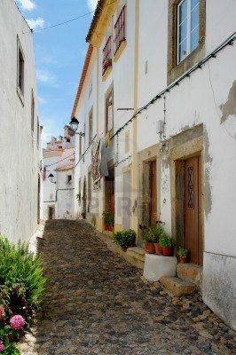 El pintoresco lugar de Castelo de Vide es en la región del Alto Alentejo de Portugal, en contra de la pendiente de los corredores del norte de la Serra de Sao Mamede de las montañas