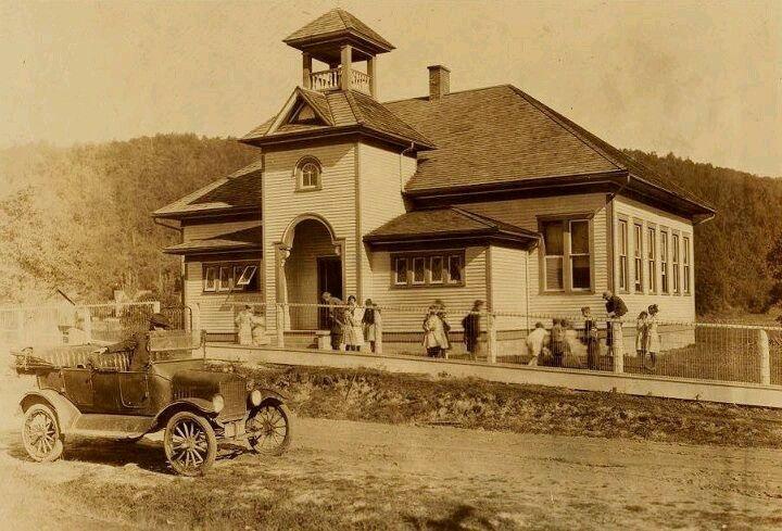 One room school house,Minnehaha Springs,WV 1921 Building ... Old One Room School Building