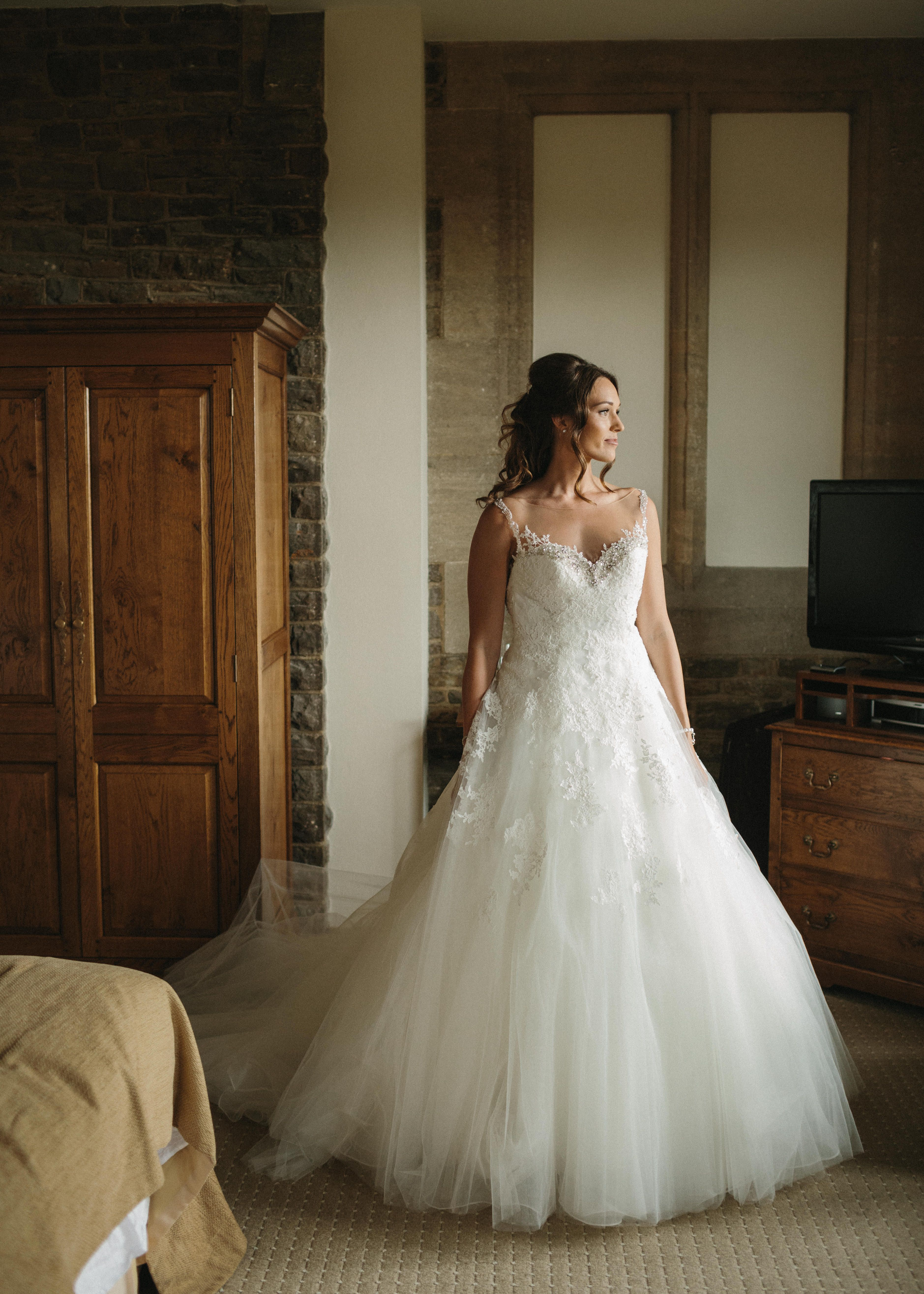 Pronovias Wedding dress and incredible wedding photographer. Read more here ... Www.LeanLivingGirl.com
