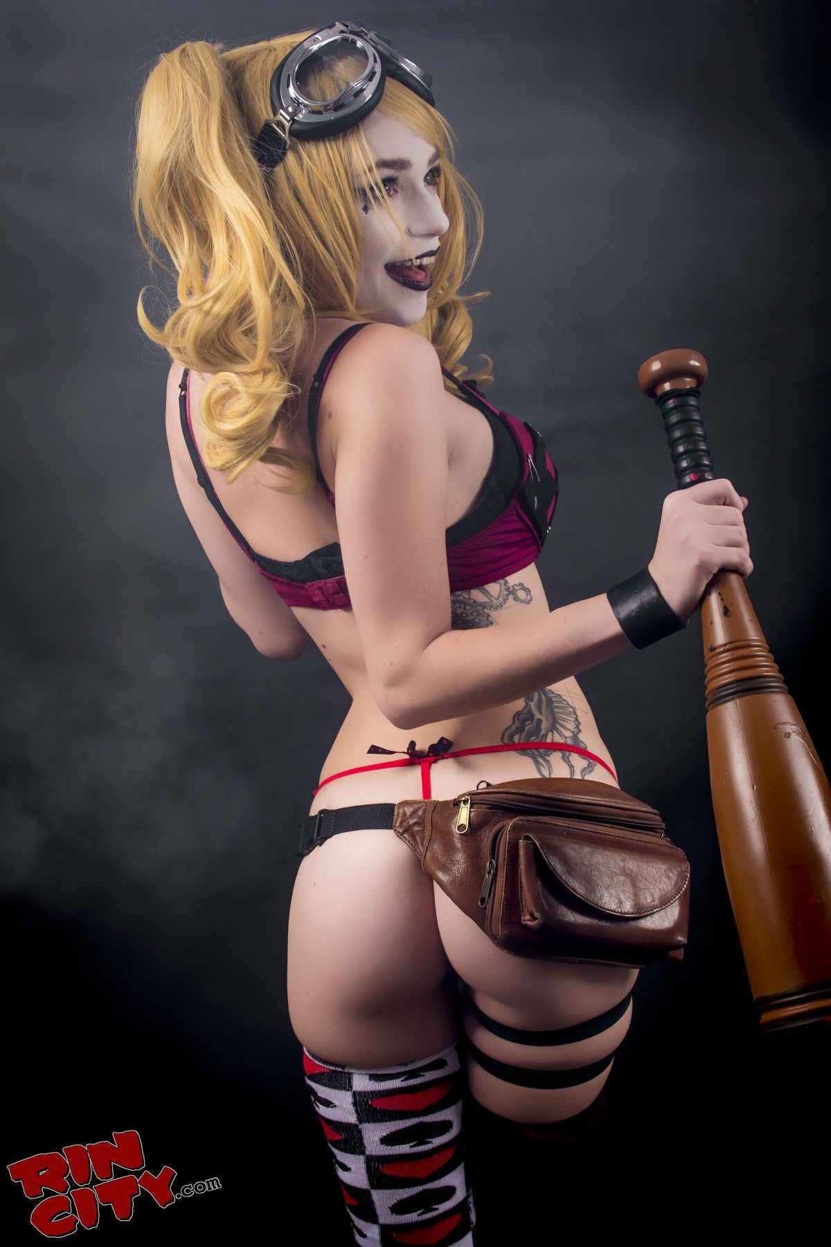 Harley Dilly >> Sexy Cosplay Booties | Cosplay Booty | Harley quinn