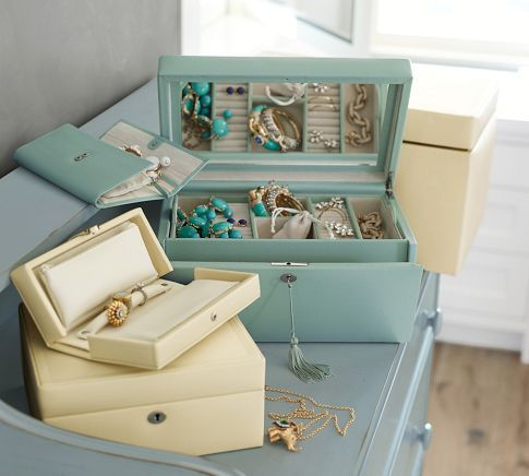 Sea Blue accessories Mckenna leather medium jewelry box at Pottery Barn. & McKenna Leather Travel Jewelry Portfolio | Pottery Barn | Jewelry ... Aboutintivar.Com