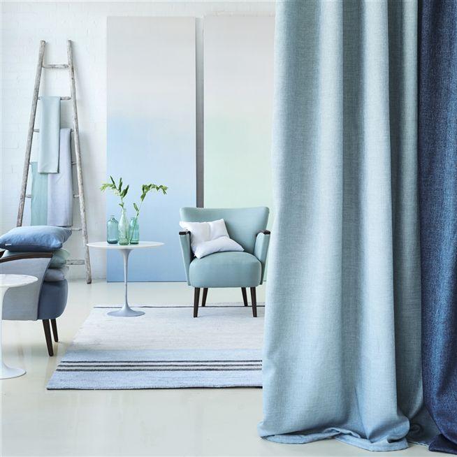 Double Rideau En Camaieu De Bleu Et Gris Rideaux Idee Deco Salon Double Rideaux