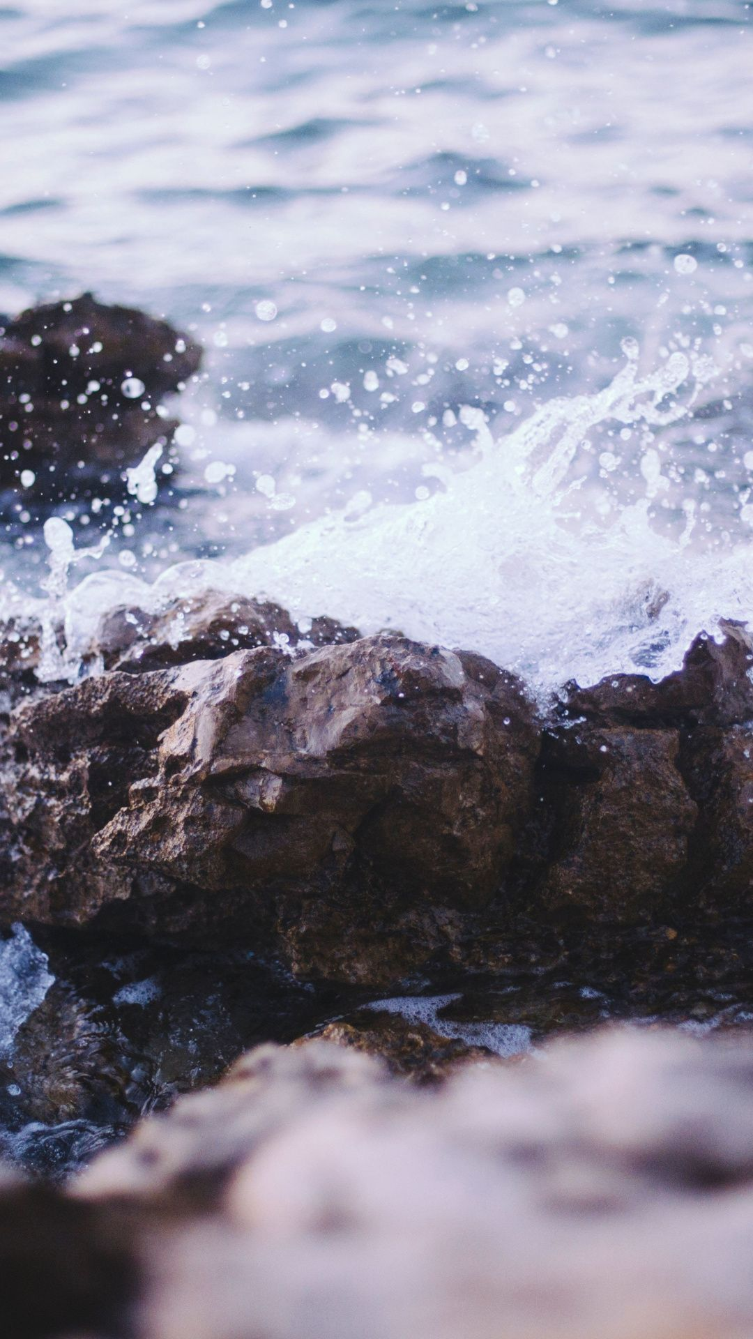 Close Up Collide Sea Waves And Rocks 1080x1920 Wallpaper Natural Wallpaper Wallpaper Nature Wallpaper