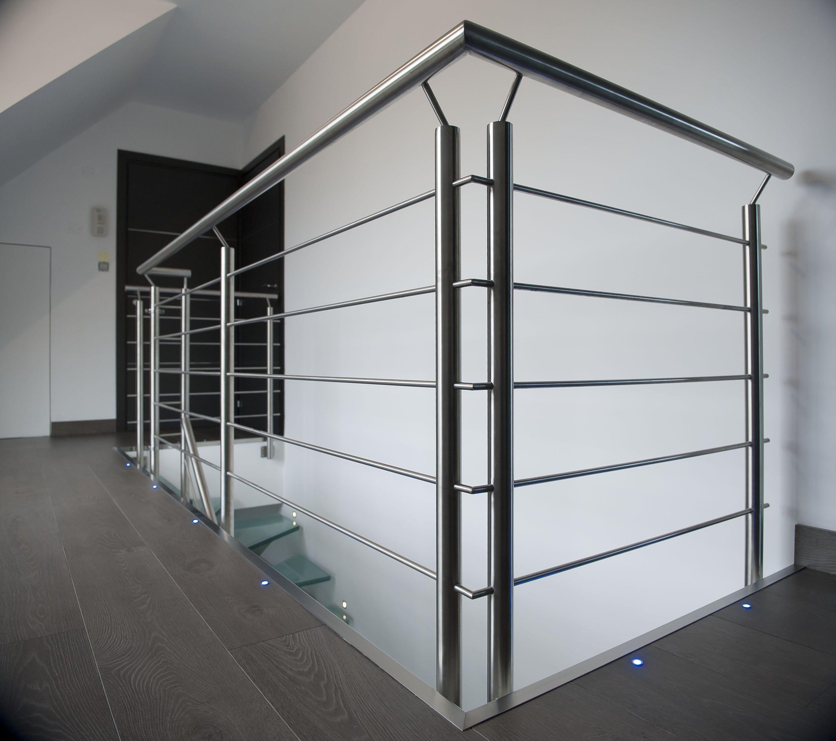 Garde Corps Et Rambarde Metallique Inox Brosse Stair Railing Design House Main Gates Design Railing Design