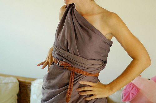 How to Make a Toga out of a Bedsheet: 7 steps (with pictures) Maybe for an awesome Toga Party!!