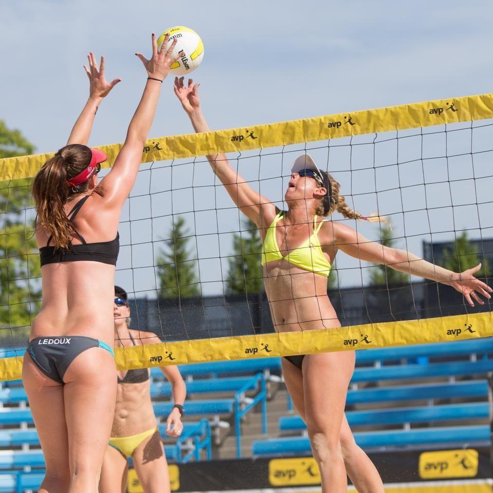 Pin By David Parker On Women S Beach Volleyball Beach Volleyball Volleyball Outfits Woman Beach