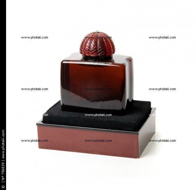 http://www.photaki.com/picture-perfume-bottle_756839.htm