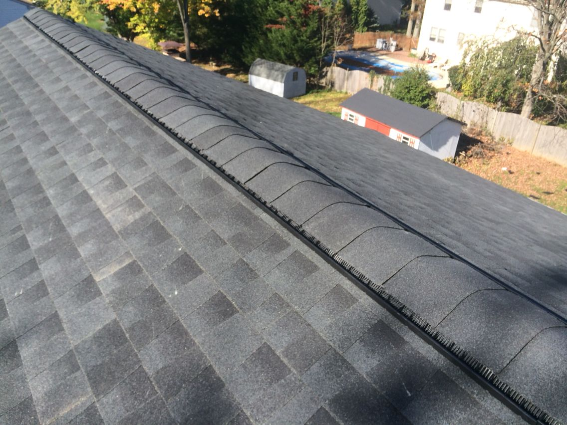 Gaf Timberline Hd Shingles In Charcoal With Snow Country