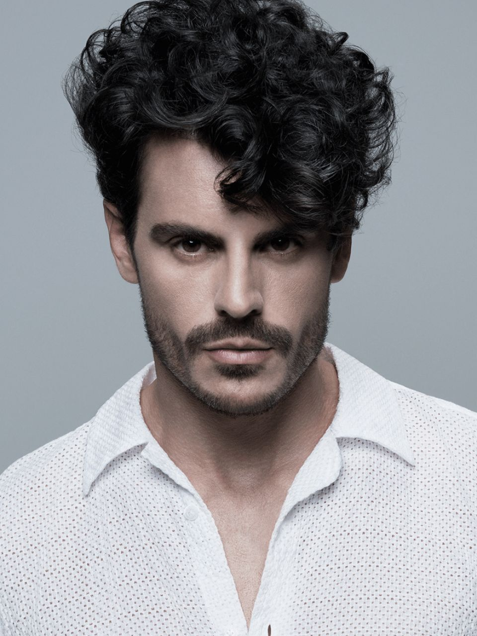 männer frisuren zopf inspirational locken lockige haare