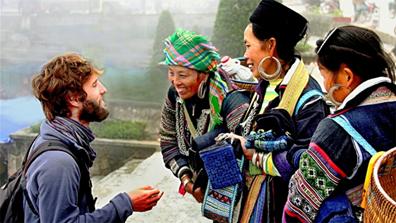 Sự thân thiện giữa người dân địa phương và du khách