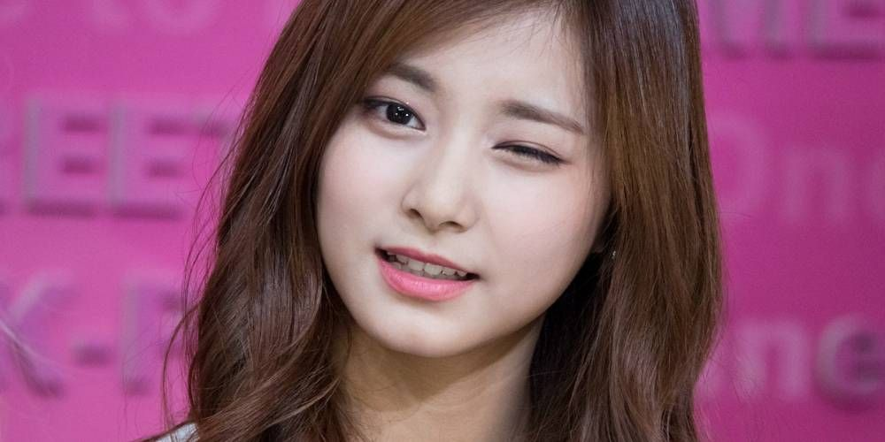 These Idols Were Born Into Great Family Situations So It S No Wonder They Exude Glamor 1 Twice Tzuyu One Of Korea S Hottest Idols At The Moment Tzuyu S Moth