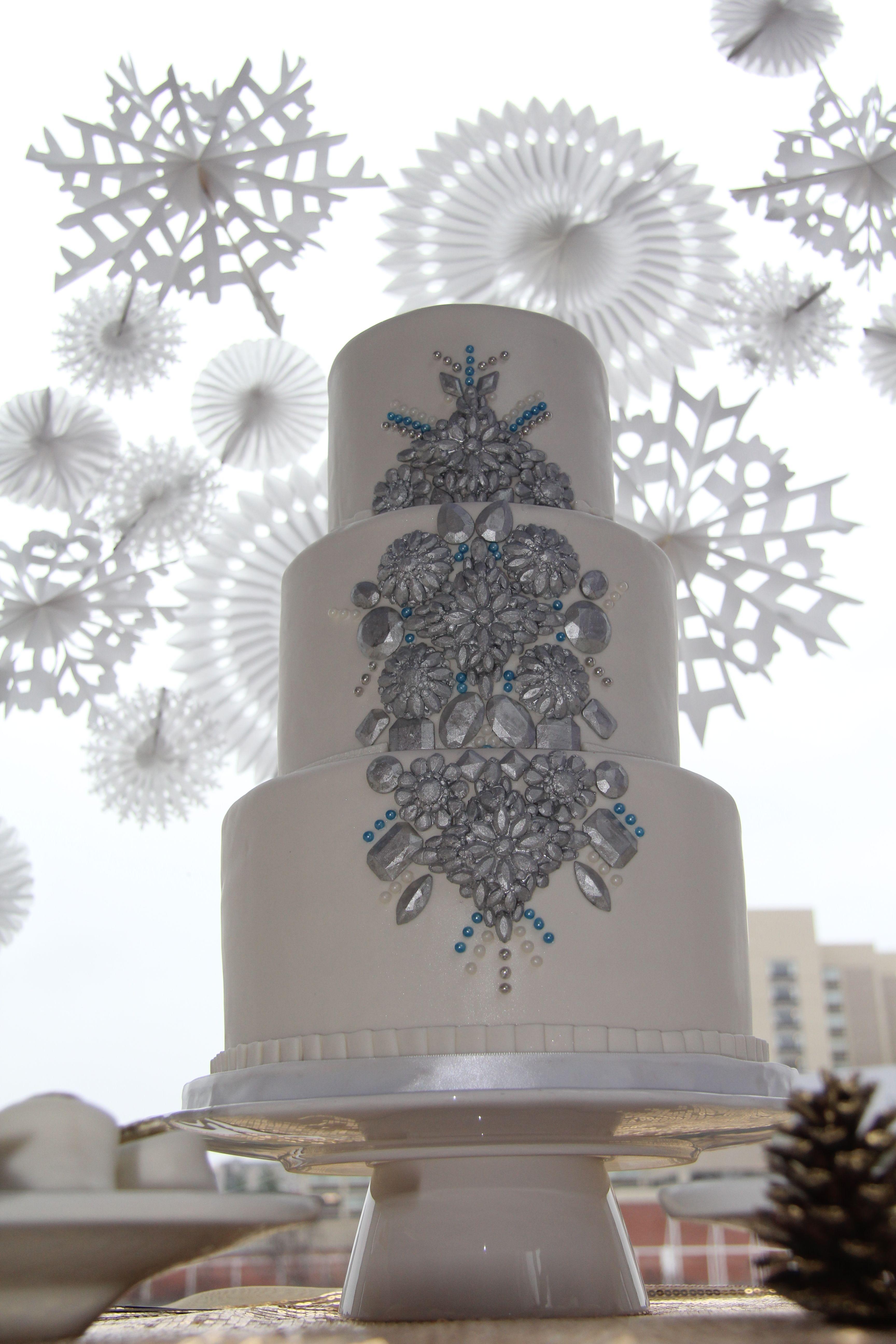 Winter Wonderland Wedding Cake   Winter wonderland wedding ...