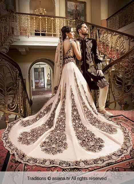 Matching Wedding Dresses For Bride Groom In 2019 Asian Bridal Wear Asian Wedding Dress Indian Wedding Outfits