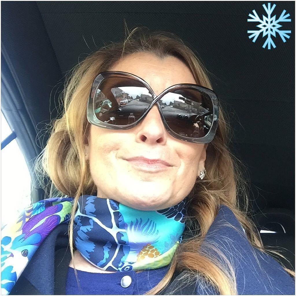 FREDDO COME IN INVERNO #Rimini #aprile #freddo #temperatura #invernale #fotodelgiorno #116dellanno  #116of366 COLD AS IN WINTER #april #cold #temperature #winter #picoftheday #instapic #instaweather #smile #relax #instaday #iPhone #iwatch#sunglasses #reflections #selfie by lovelyzetazambi