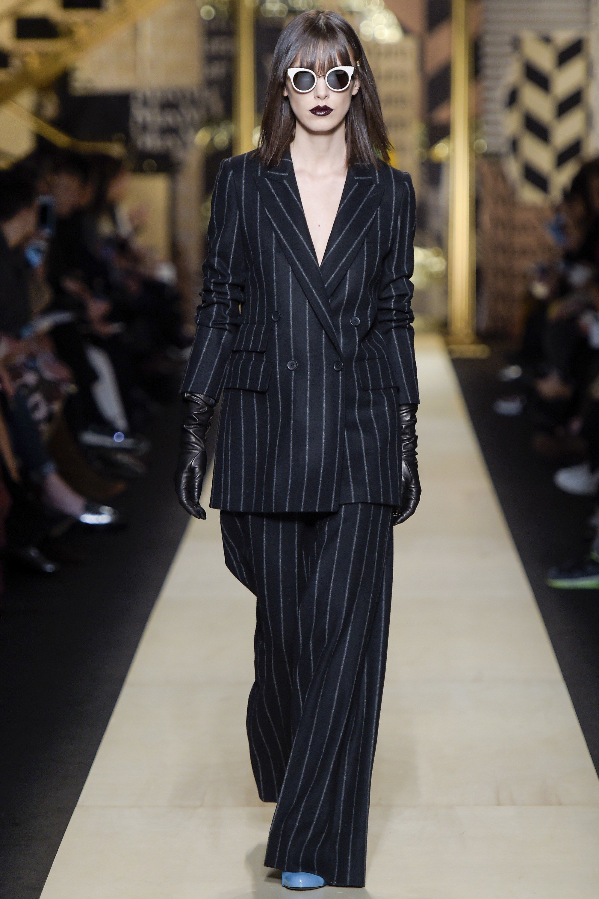 328b112cd2 Max Mara Fall 2016 Ready-to-Wear Fashion Show Collection  See the complete Max  Mara Fall 2016 Ready-to-Wear collection. Look 28