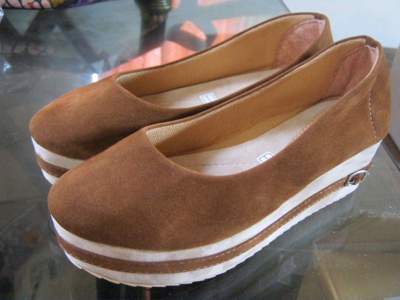 Sepatu Datar Suede Kupu Kupu Sepatu Wanita Dengan Model Terbaru