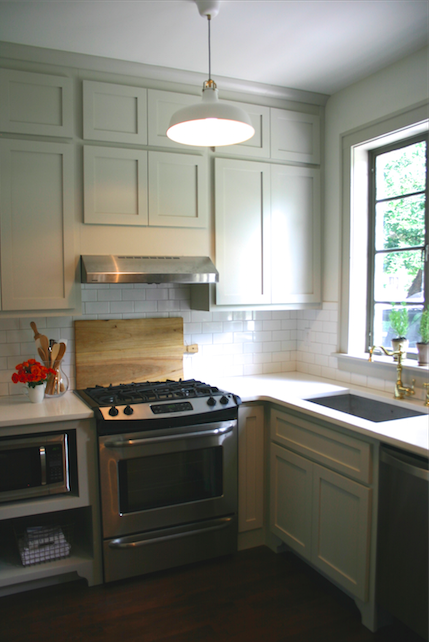 Revere pewter cabinets white subway tile with putty color - Putty colored kitchen cabinets ...