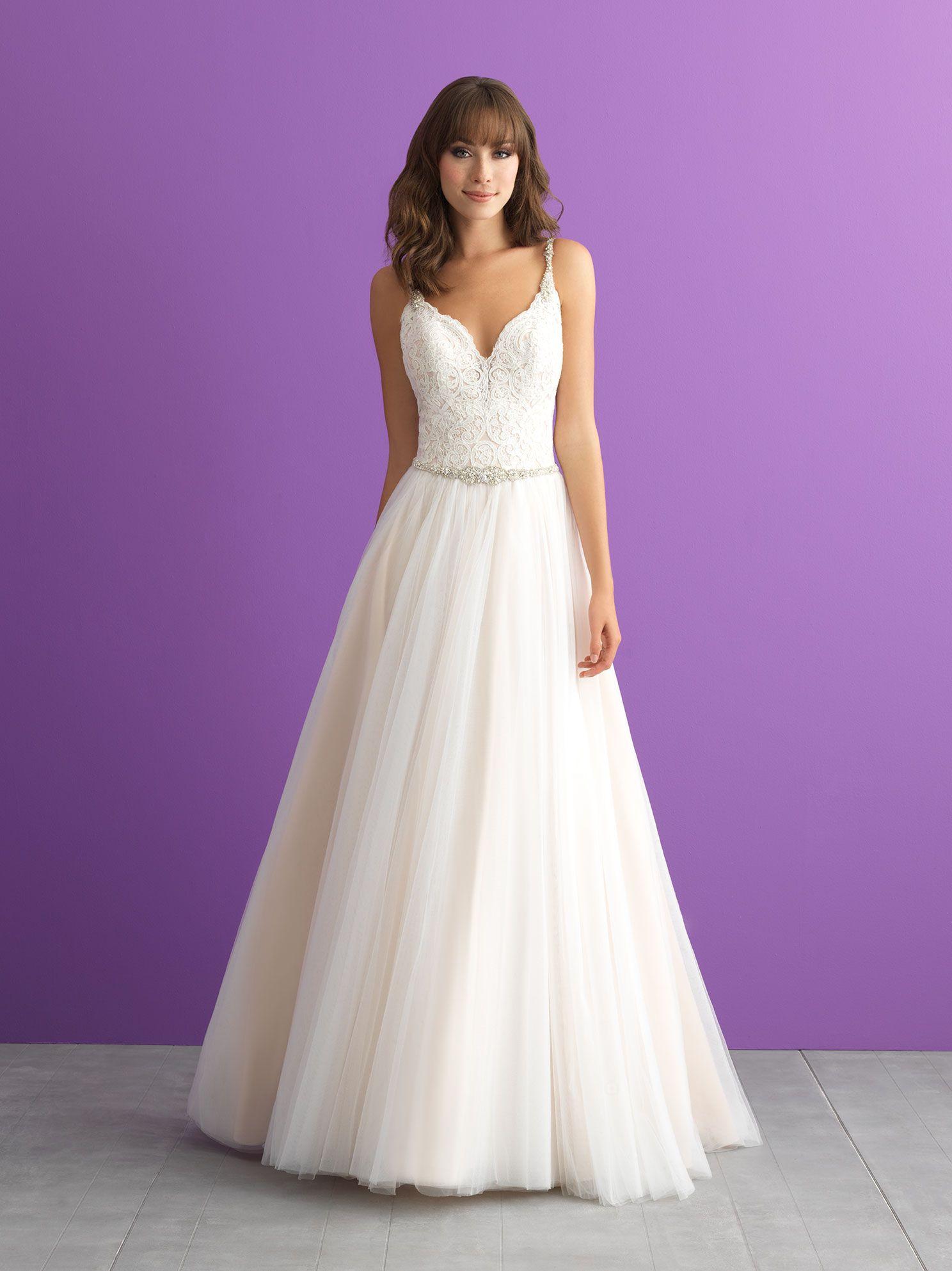 Vestido de novia silueta natural con brillos - Alquiler y Venta de ...