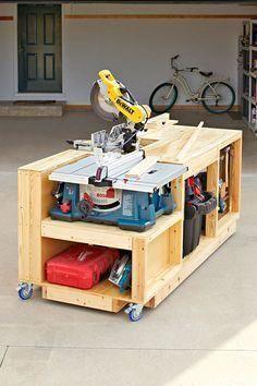 Plan de travail du bois du banc à outils mobile Ce magasin toutenun sur roues combine trois