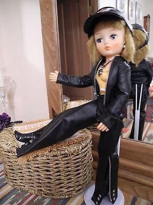 VTG-Cindy-Horsman-Doll-Jointed-Knees-Motorcycle-Outfit-Jewelry-Boots-Cap-19