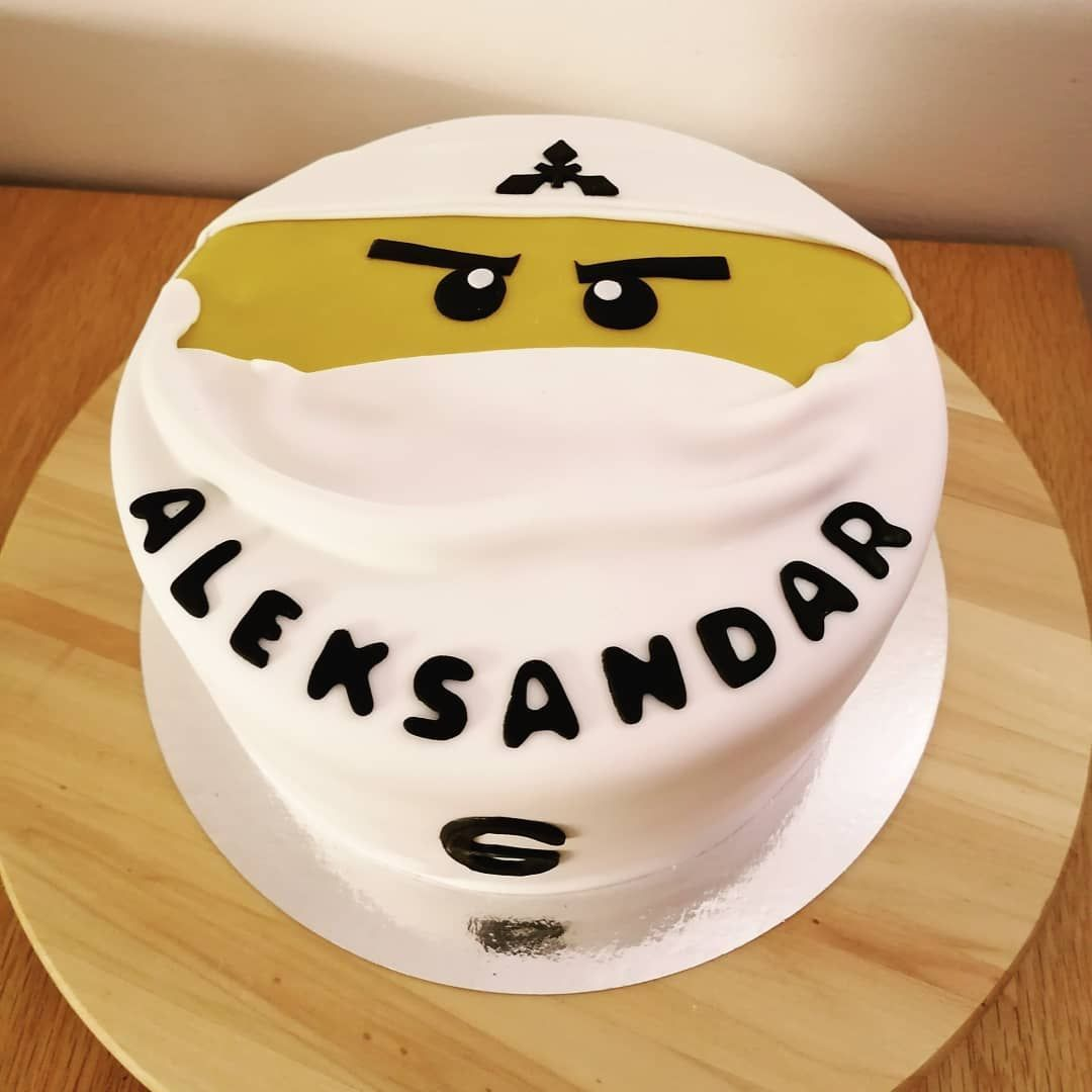 🇧🇻 Just delivered this 🍫🎂 what do you think?
