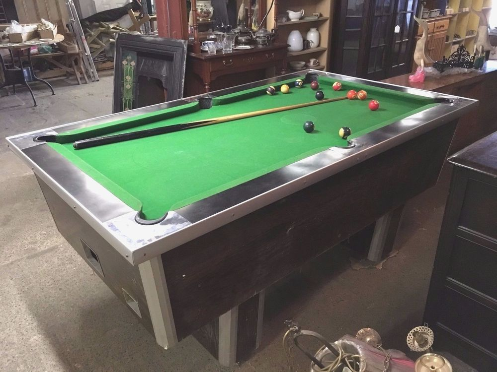 PUB POOL TABLE / 6 FOOT / POOL LIGHT SHADE / KEY LOCKABLE / COIN SLOT