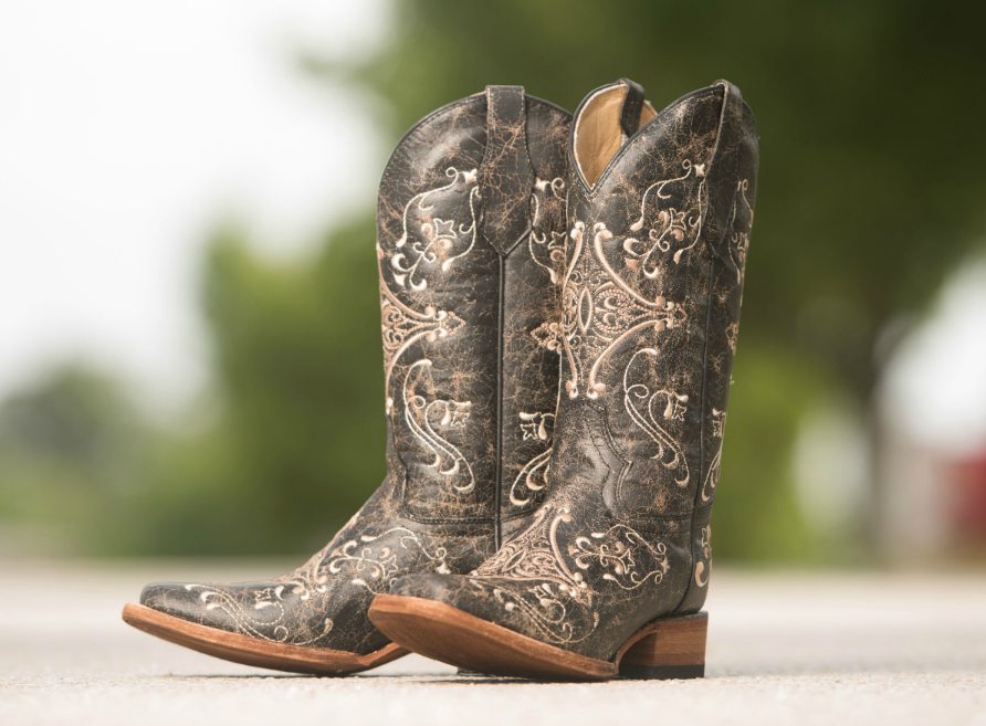 Pin By Country Outfitter On Corral Boots