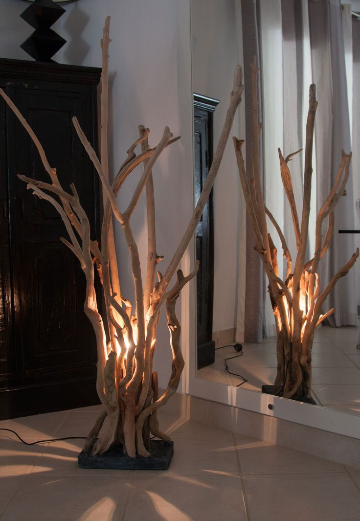 LAMPE en bois flottés   Driftwood lamp, Driftwood decor