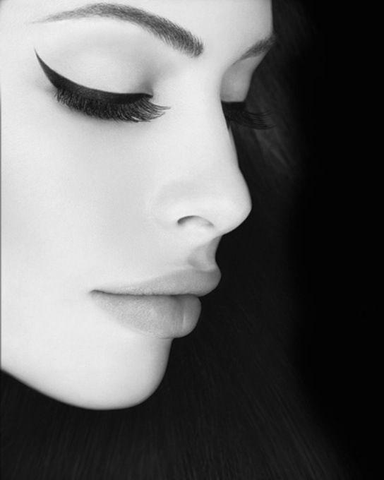 Beautifully winged eye liner
