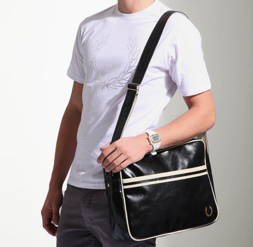 Fred Perry Classic Polyvinylchloride Messenger Bag | ASOS