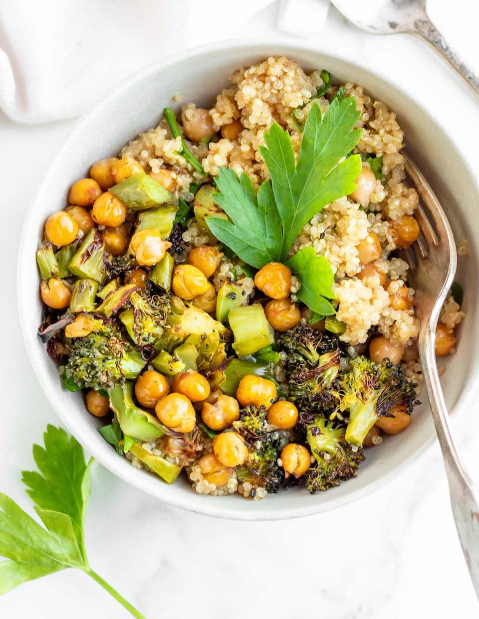 Roasted Broccoli Chickpea Quinoa Bowls Always Nourished Recipe In 2020 Roasted Broccoli Delicious Meal Prep Healthy Dinner Recipes Easy