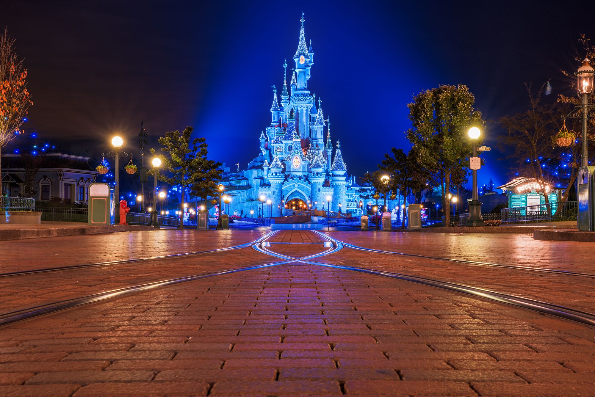2019-2020 Disneyland Paris Planning Guide