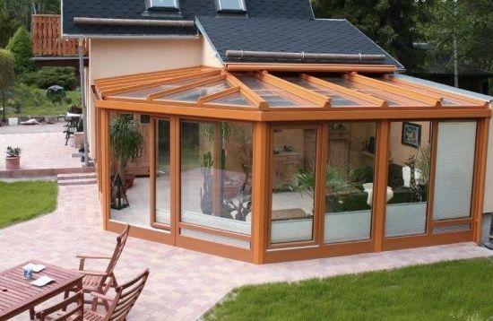Verande si terase inchise cu sticla cele mai frumoase for Modele case cu terase acoperite