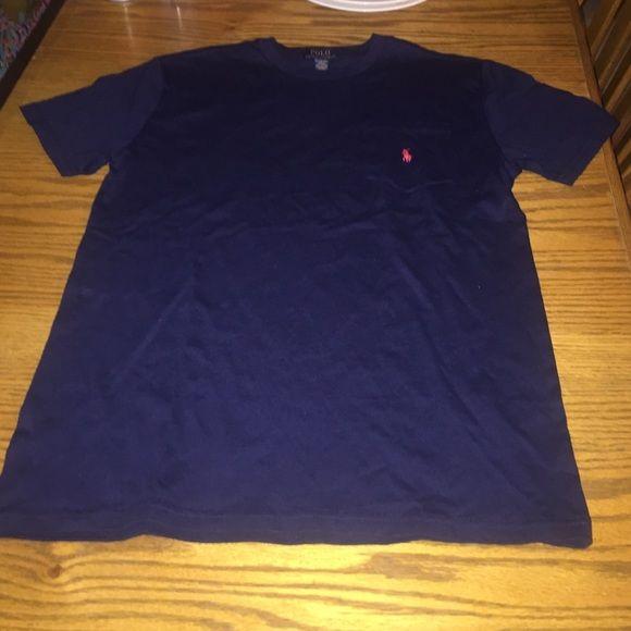 Ralph Lauren short sleeve shirt Fits men's medium.. Never worn Ralph Lauren Tops Tees - Short Sleeve