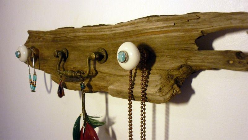 porte bijoux mural en bois flott presentoir bo tes par. Black Bedroom Furniture Sets. Home Design Ideas