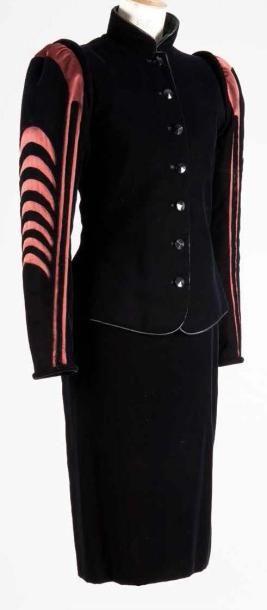 Yves SAINT LAURENT Haute couture n° 46110 Automne Hiver
