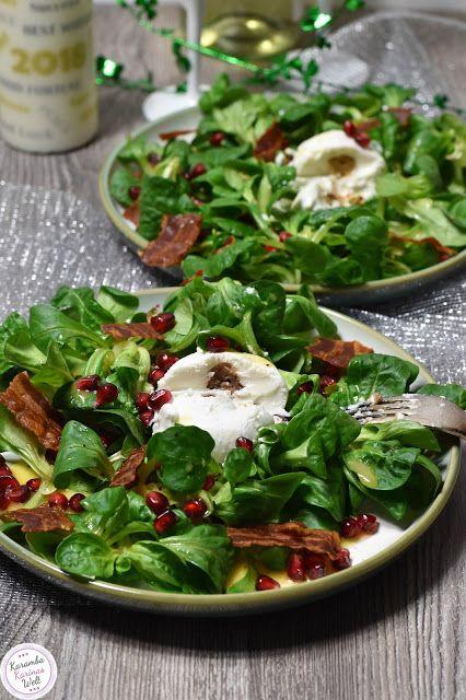 Ziegenkäse auf Feldsalat mit Granatapfel, Bacon und Honig-Senf-Dressing