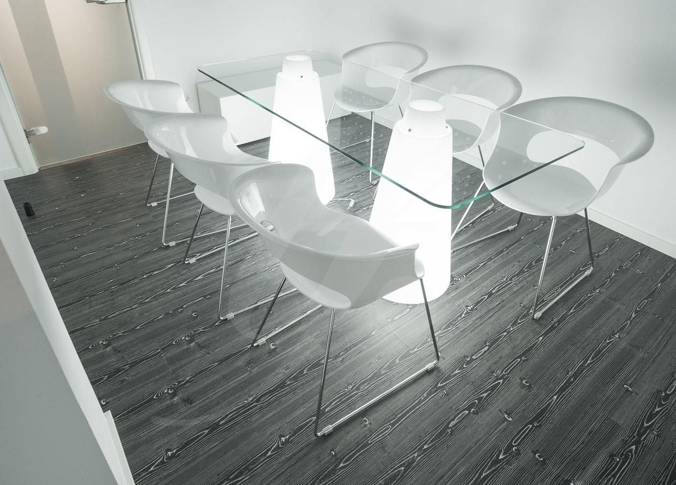 Miss B Antishock Sledge Frame Chairs By Scab Design For An  # Muebles Zientte Medellin