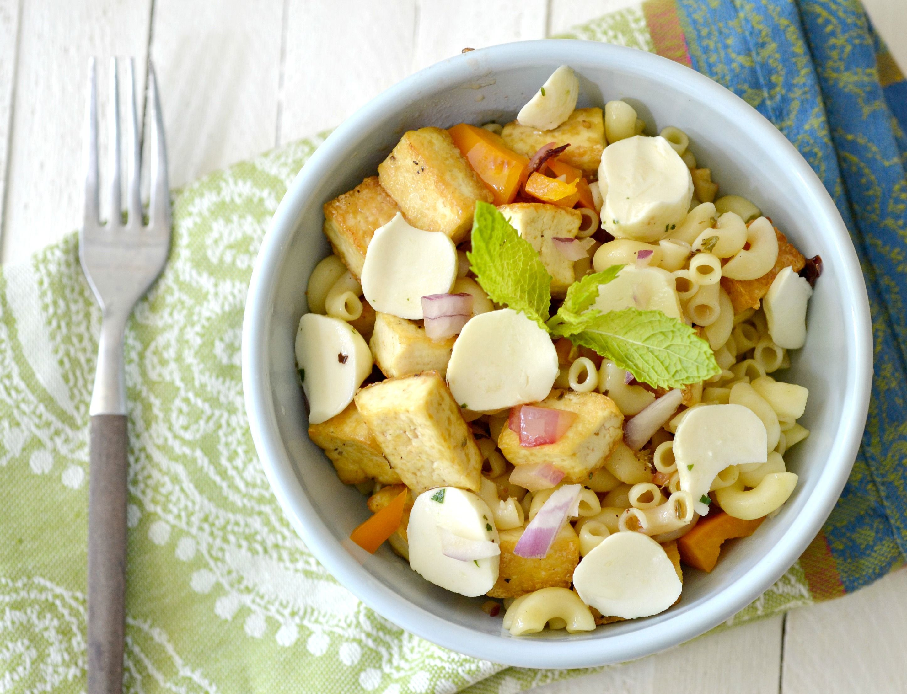 Crispy Tofu Macaroni Salad by nutritionforus: 180 calories, 6g fat, 9g protein, 3g fiber 24g carbs, 5 Weight Watcher Points.   #Salad #Tofu #Macaroni #nutritionforus