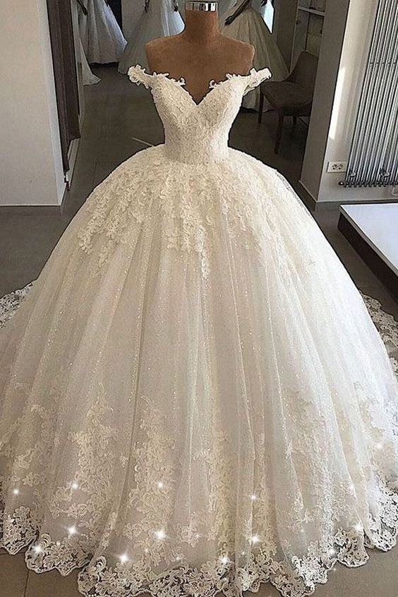 Stunning Wedding Dress Tulle Off-the-shoulder Bridal Dress Neckline Ball Gown Wedding Dresses With Lace Appliques & Beading