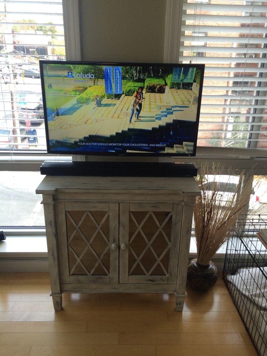 60 samsung smart tv on a tilt mount wires concealed in the wall 42 samsung smart led tv on a flat mount hidden wires an outlet