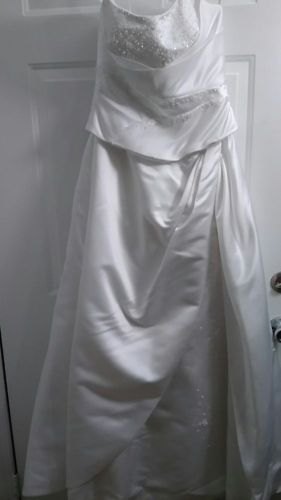 Wedding Dress Size 8 With 10 Ft Detachable Train