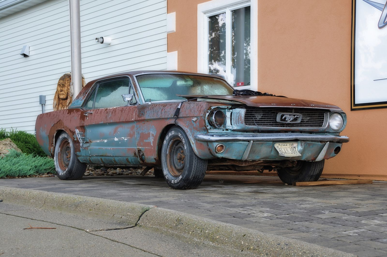 Classic Car Hunter Finds Abandoned 1975 Ford Mustang Mach 1