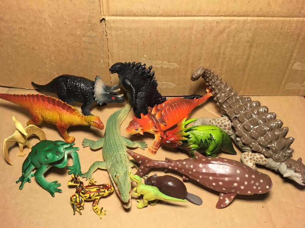 Large Lot of 35 Plastic Rubber Dinosaur, Reptile, Insect, Frogs ...