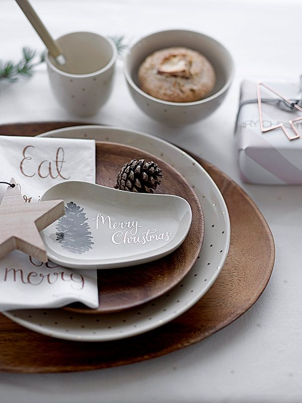 A Nordic tablesetting with Christmas tableware and acacia wood plates - all from Bloomingville & A Nordic tablesetting with Christmas tableware and acacia wood ...