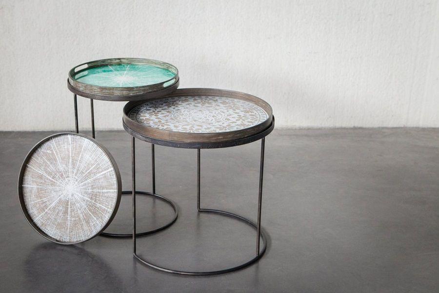 La table basse ronde de plateau est les meilleurs meubles pour le salon ou le bureau