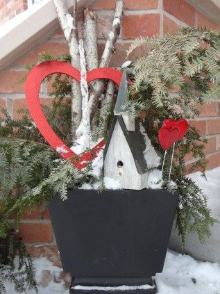 Thrifty Outdoor Valentine Decor Valentines Day